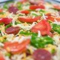 燻製サラミのピザ